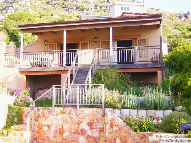 outside_view_of_tweni_cottage_self_catering_