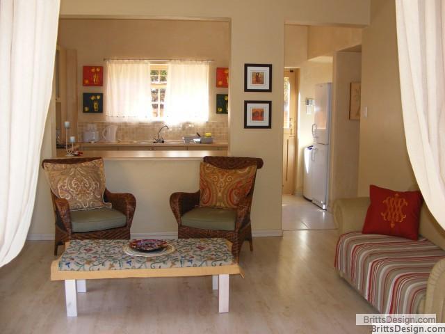 tweni_cottage_lounge_and_kitchen